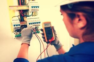 Работа электриком в Москве
